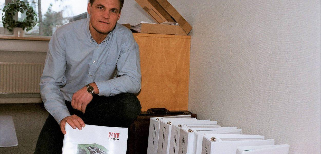 Flemming Lund viser firmaets største ordre 2003